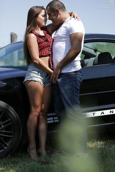 Teen hottie Amirah Adara giving and receiving oral sex outdoors